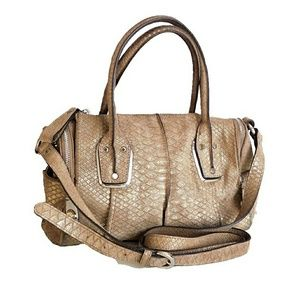 B MARKOWSKY WHITNEY TEXTURED LEATHER CRSSBDY/STCHL